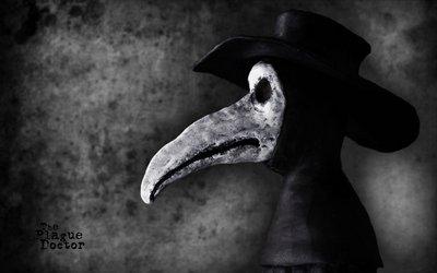Широкополая черная шляпа чумного доктора